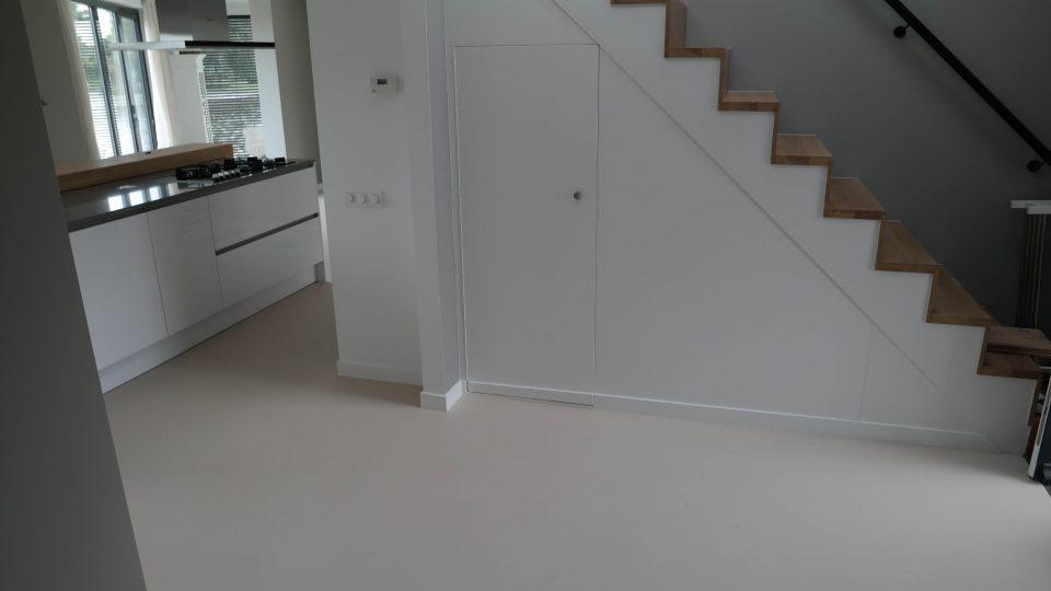 Gietvloer woning modern | Vanwinkelvloeren.nl