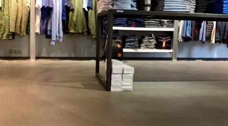 Cement gebonden gietvloer - Kledingzaak | Corné van Winkel