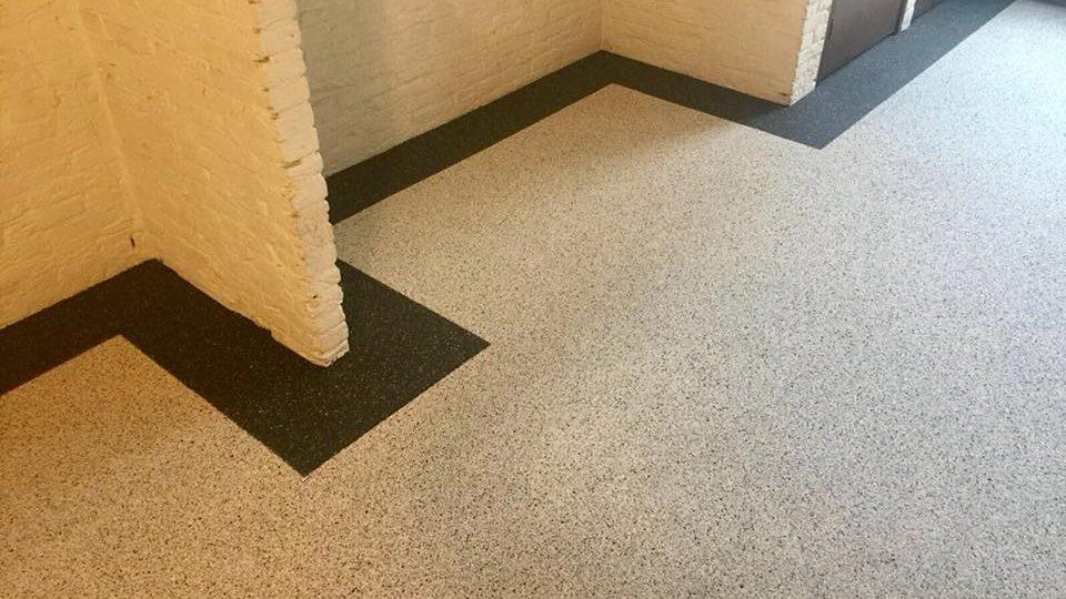 Grindvloer met sierrand | Van Winkel vloeren