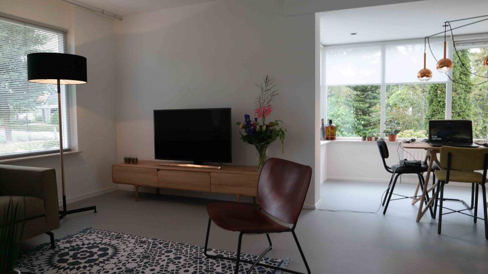 Gietvloer woonkamer | Vanwinkelvloeren.nl